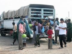 Thêm 2 xe tải chở nhiều dân di cư tìm cách vào nước Anh bị bắt