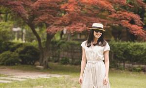 Dương Mỹ Linh cười tỏa nắng, đẹp 'lịm tim' giữa khung cảnh mùa thu
