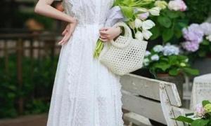 Mặc váy màu gì để thể hiện khí chất tốt nhất?