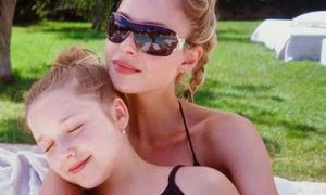 Chỉ với một bức ảnh bên chị dâu tài phiệt, Harper Beckham 'gây sốt' mạng xã hội bởi điều này