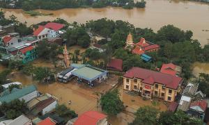 Số người chết do bão lũ ở Miền Trung tăng lên 36, còn 12 người mất tích, nhiều địa phương đề xuất xin hỗ trợ khẩn cấp