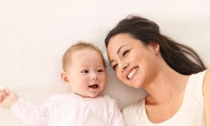 Mùa mưa, mẹ nên làm gì để bảo vệ làn da mỏng manh cho bé?
