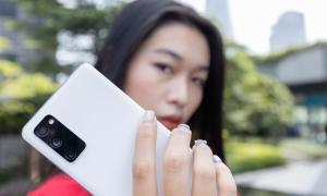 Bật mí bí kíp 'tuy không xinh nhưng phải ảo' với loạt smartphone sang chảnh, các chị em mau học ngay thôi!