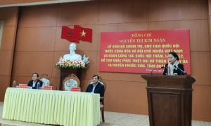 Chủ tịch Quốc hội thăm hỏi người dân vùng sạt lở huyện Phước Sơn
