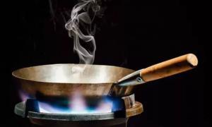 """4 thói quen khi nấu nướng là thủ phạm âm thầm có thể """"đoạt mạng"""" cả nhà bạn"""