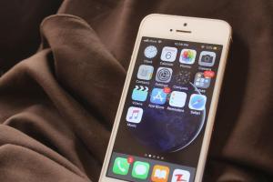iPhone bị hack để theo dõi người Duy Ngô Nhĩ