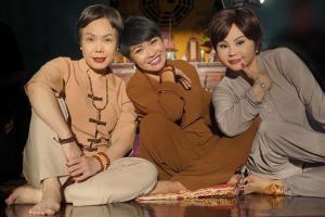 Kiểu từ thiện ngược đời của Việt Hương trong phim ma Huỳnh Lập