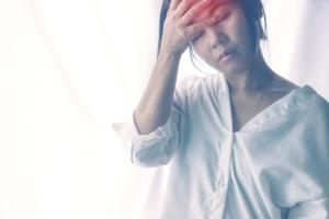 Chấm dứt cơn chóng mặt gây ám ảnh ở phụ nữ trung niên