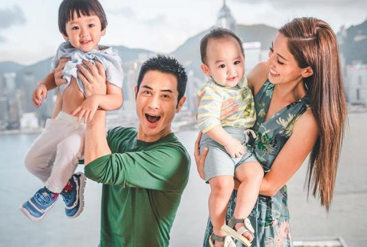 Hoa hậu Hong Kong khoe hạnh phúc bên Trịnh Gia Dĩnh